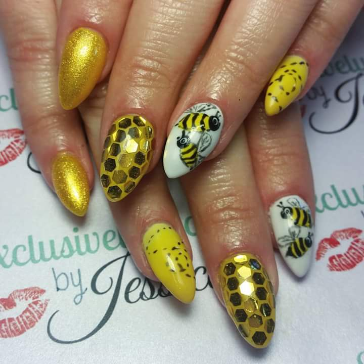 Party Nails For Summer With Glitters And Bee