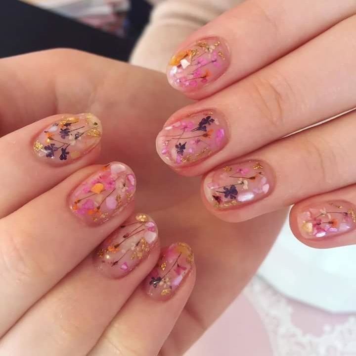 Sassy Flowery Nails To Welcome Summer