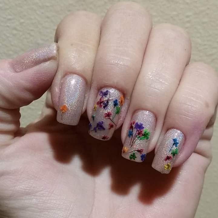 Shimmery Nail Art Design For A Beach Party