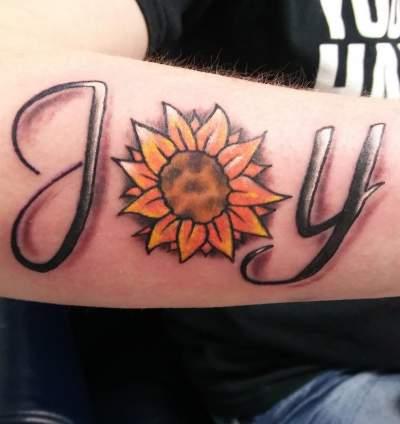 c672c29e3 small sunflower tattoo on wrist Archives - Blurmark