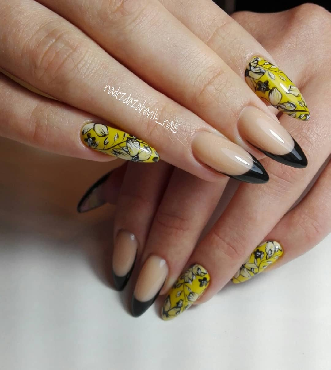 Creative Set Of Floral Mustard Nails With Black Tips