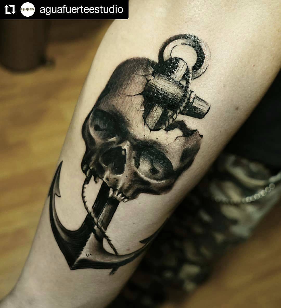 Exiqusite Black And Grey Skull Tattoo With Ankle Blurmark