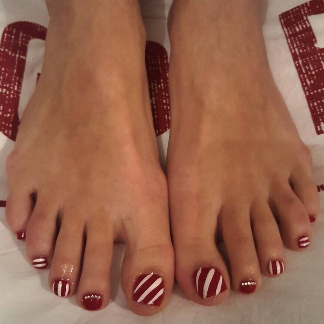 Candied Striped Toe Nail Art With Swarovski Crystals Blurmark