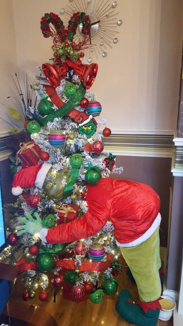 45 Grinch Theme Christmas Party Ideas That Will Make Your Christmas Home Filled With Magic